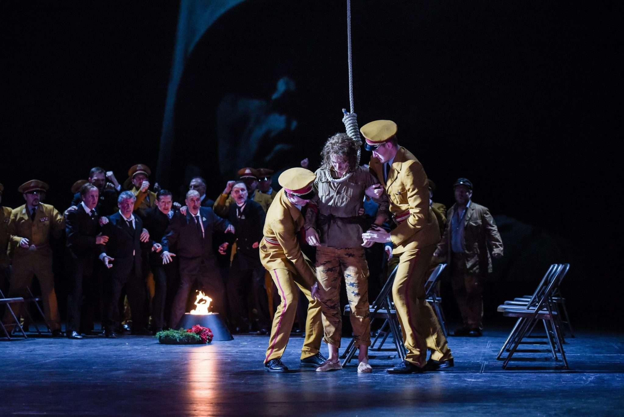 Simon Lima Holdsworth Aida (set and costumes)
